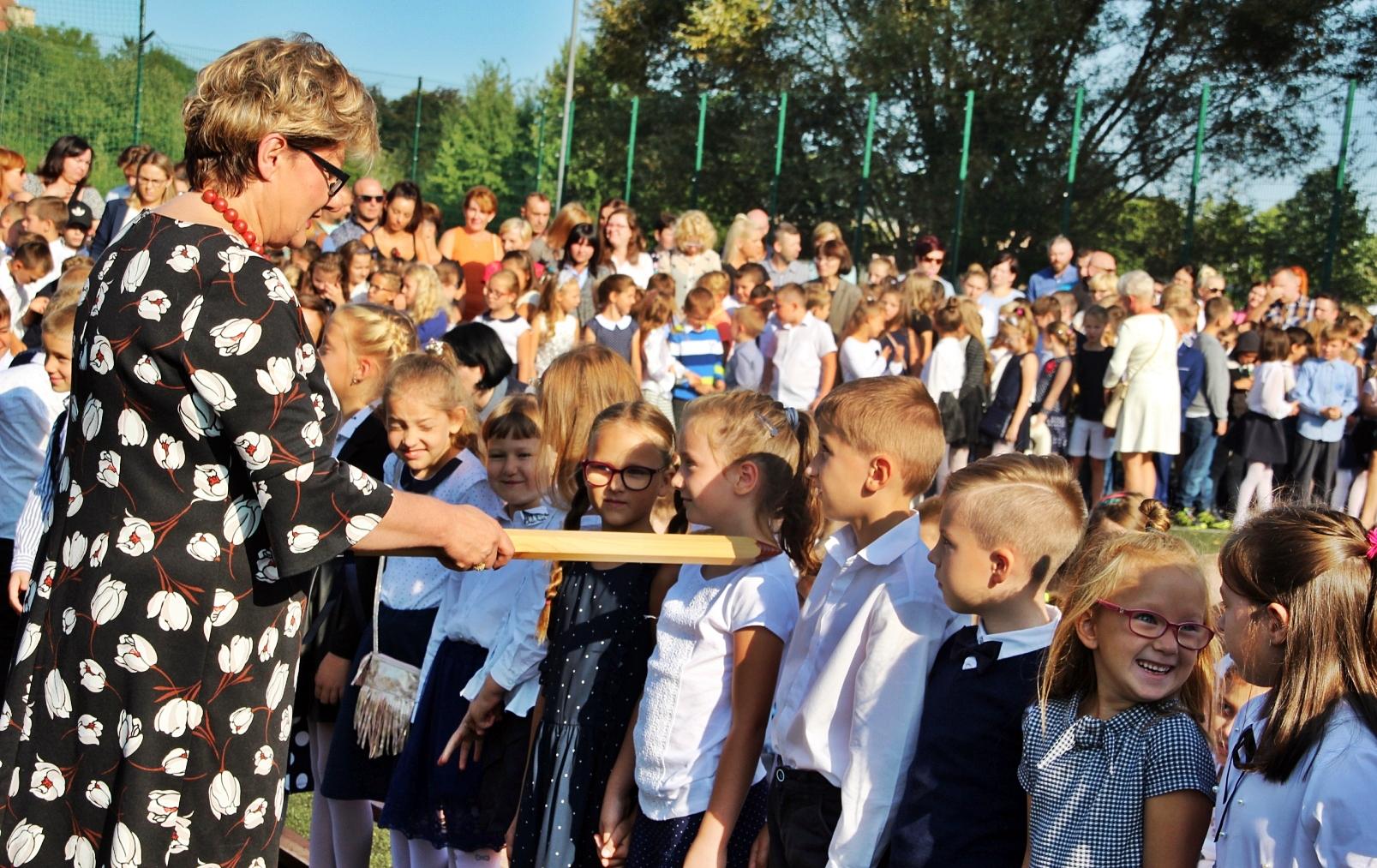 Koniec wakacji, uczniowie wrócili do szkół, Miasto Białogard